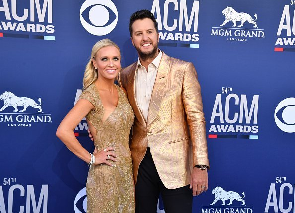 Caroline Boyer and Luke Bryan at the 54th Academy Of Country Music Awards on April 07, 2019 | Photo: Getty Images