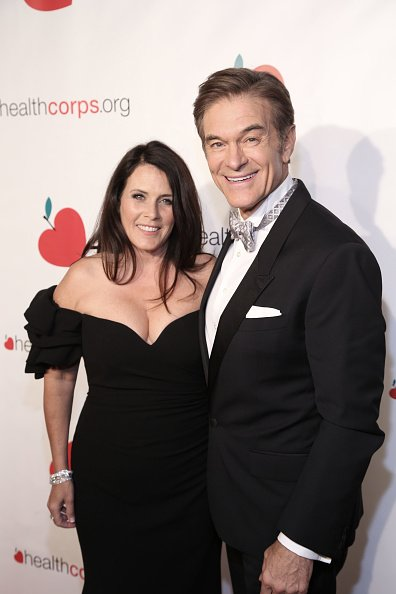 Lisa Oz and Dr. Mehmet Oz attend the HealthCorps 13th Annual Gala at Cipriani 25 Broadway on April 16, 2019 in New York City | Photo: Getty Images