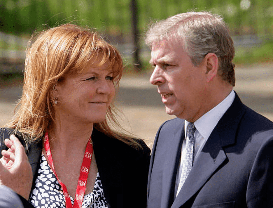 Sarah Ferguson chats with with ex-husband Prince Andrew at the Virgin London Marathon, on April 25, 2010, in London, England | Source: Getty Images