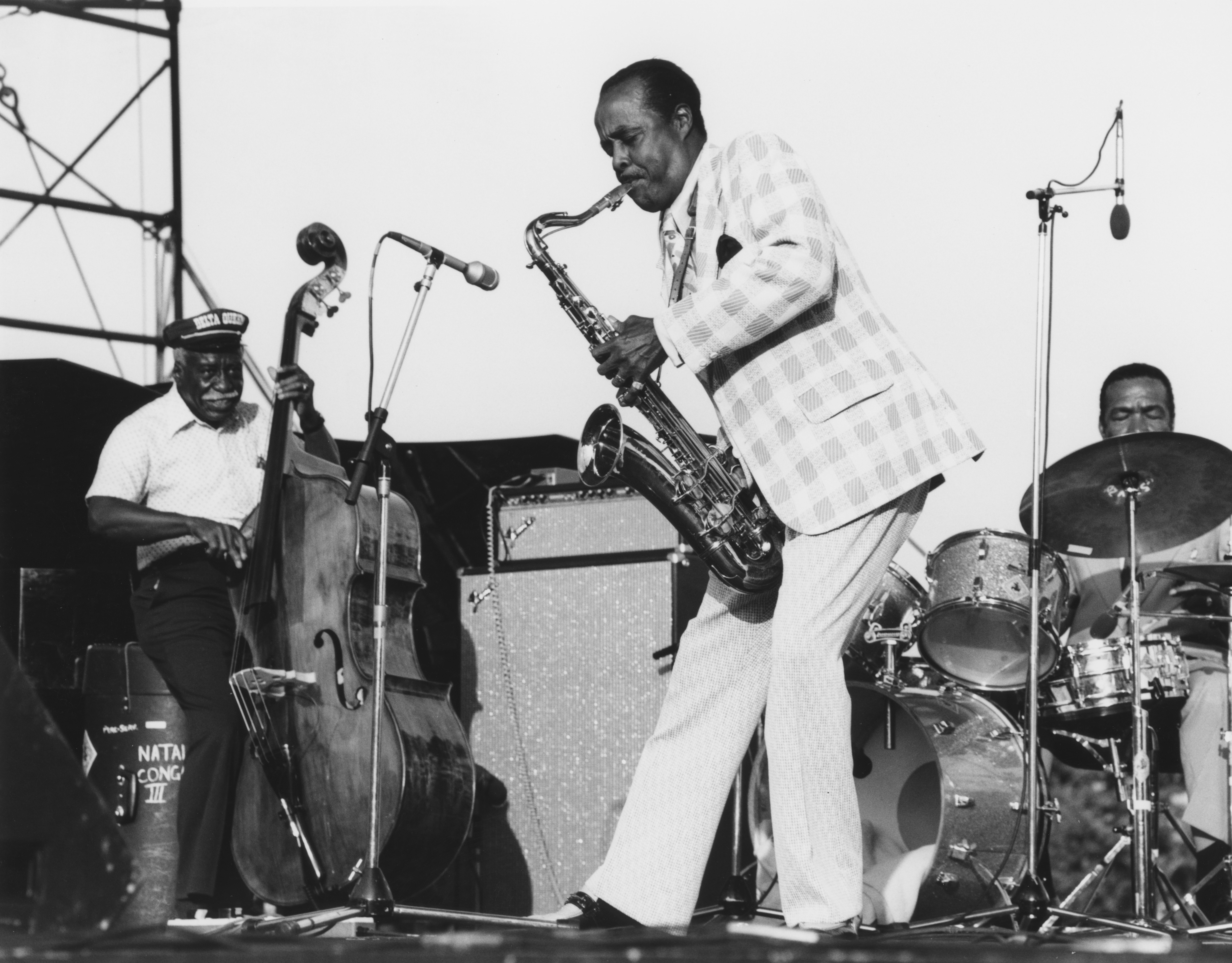 Buddy Tate performs at the Capital Jazz Festival in London, 1979. | Photo: Getty Images.