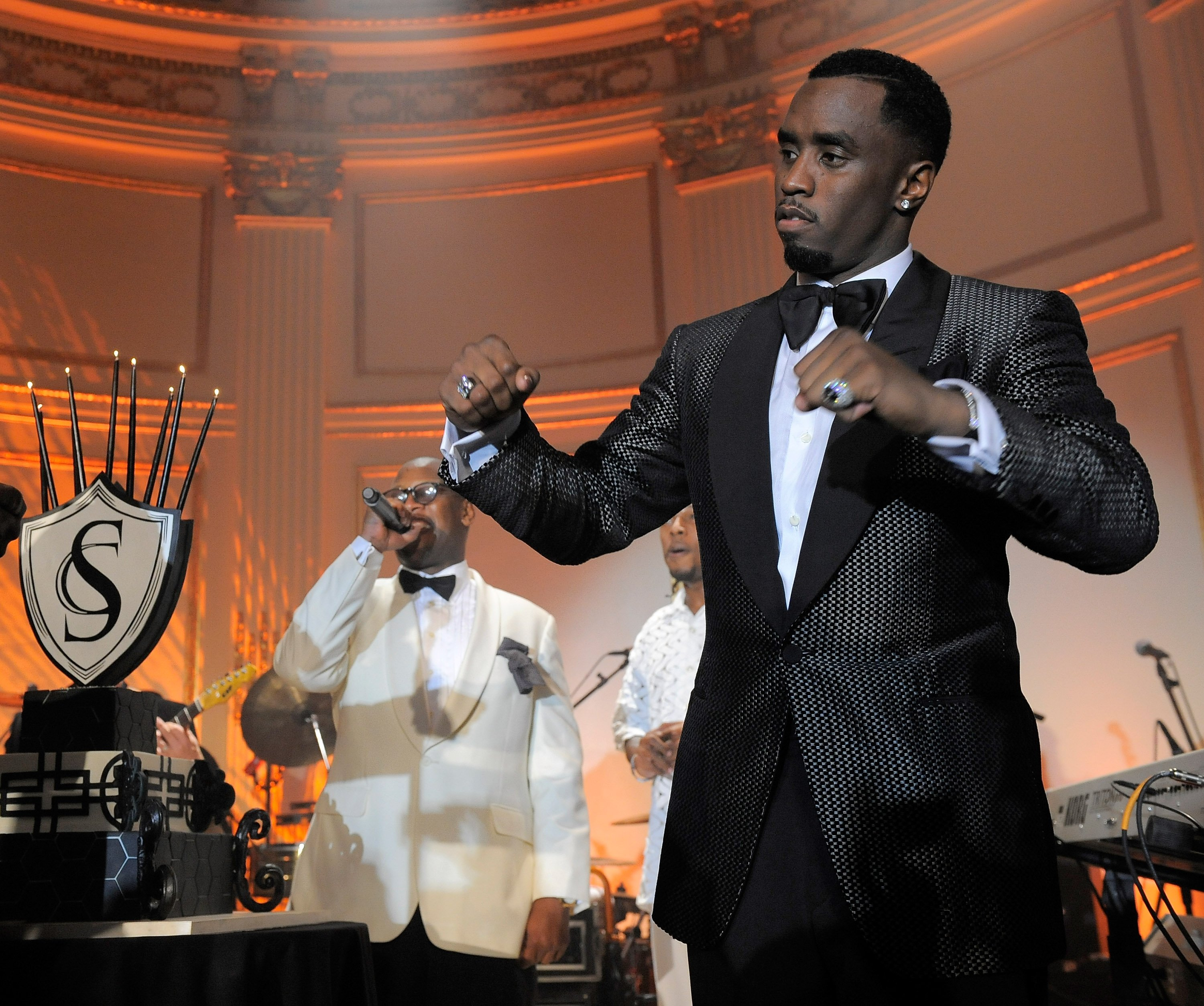 Diddy enjoying the moment at his celebration celebration held at The Plaza Hotel in New York, November 20, 2009. | Photo: Getty Images.