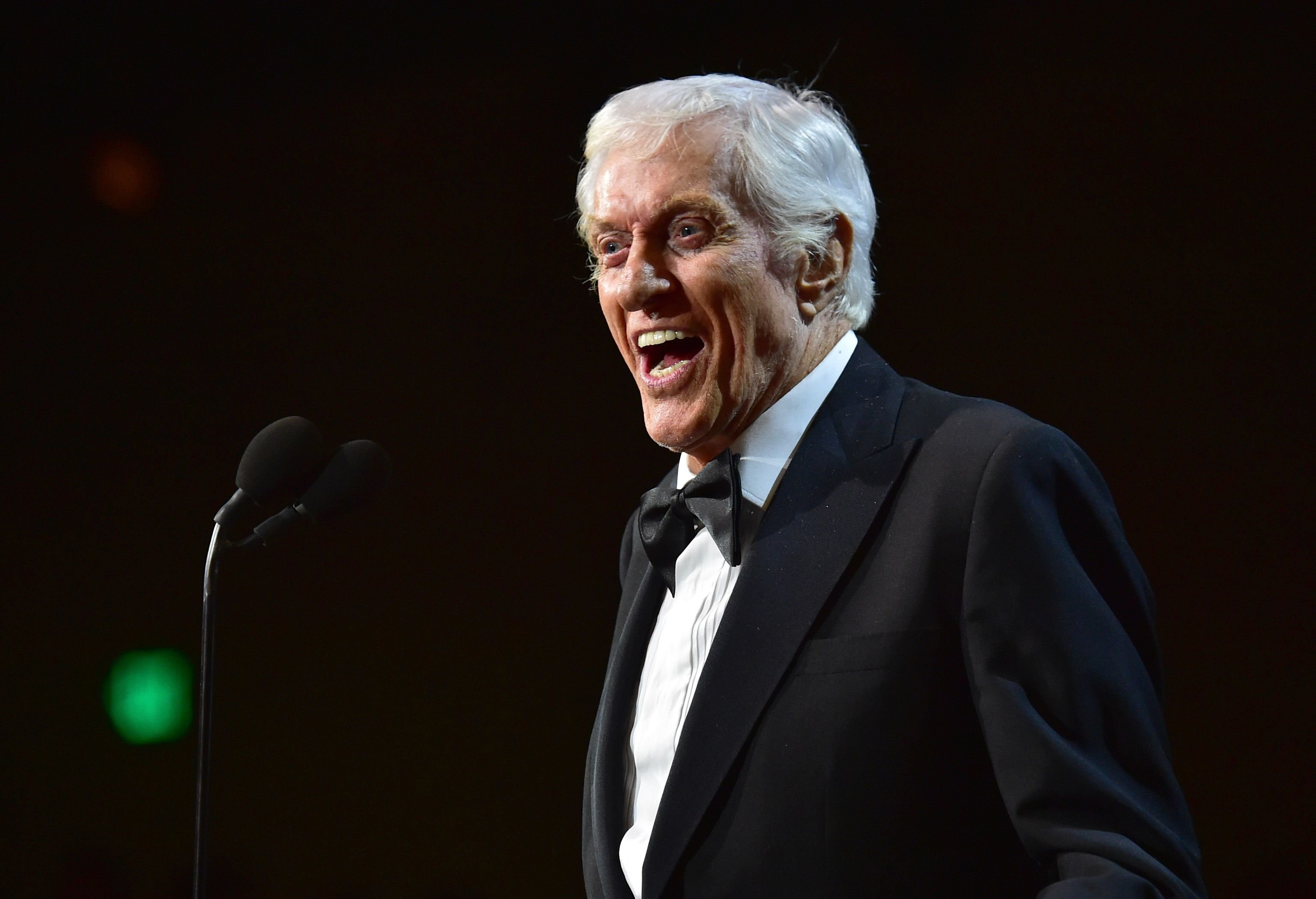 Dick Van Dyke accepts the Britannia Award for Excellence in Television at the 2017 AMD British Academy Britannia Awards at The Beverly Hilton Hotel on October 27, 2017 in California. | Photo: Getty Images