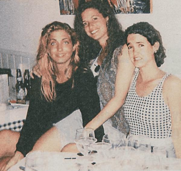 From left: Caroline Bessette, Lisa Ann Bessette, and Lauren Bessette. | Source:clickr.com