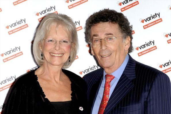 Babs Powell y Robert Powell en la subasta de la gala de Gems Photography. | Imagen: Getty Images