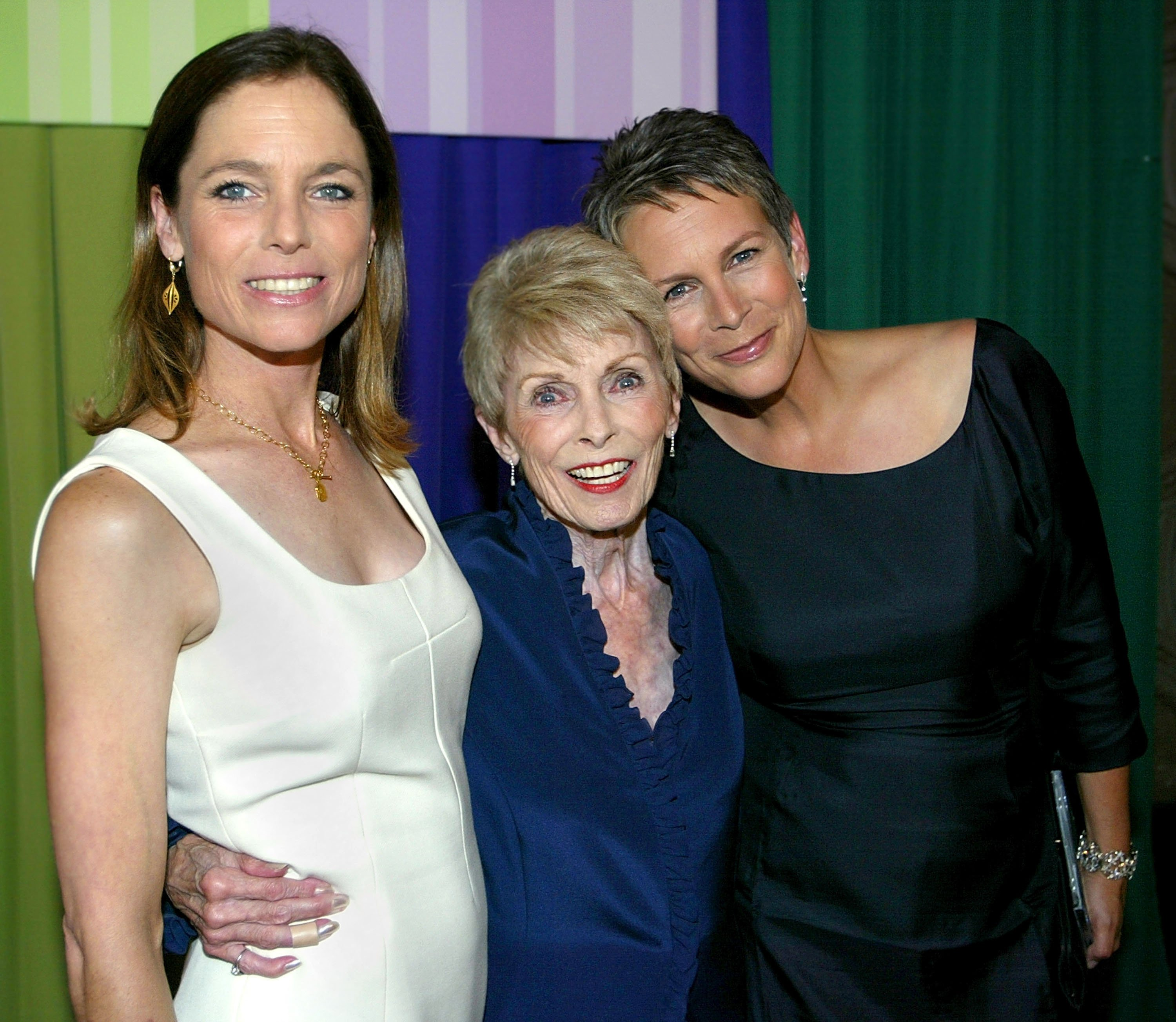 """Jamie Lee Curtis poses with sister Kelly Leigh and mom Janet Leigh at the premiere of """"Freaky Friday"""" in Hollywood in August 2003 