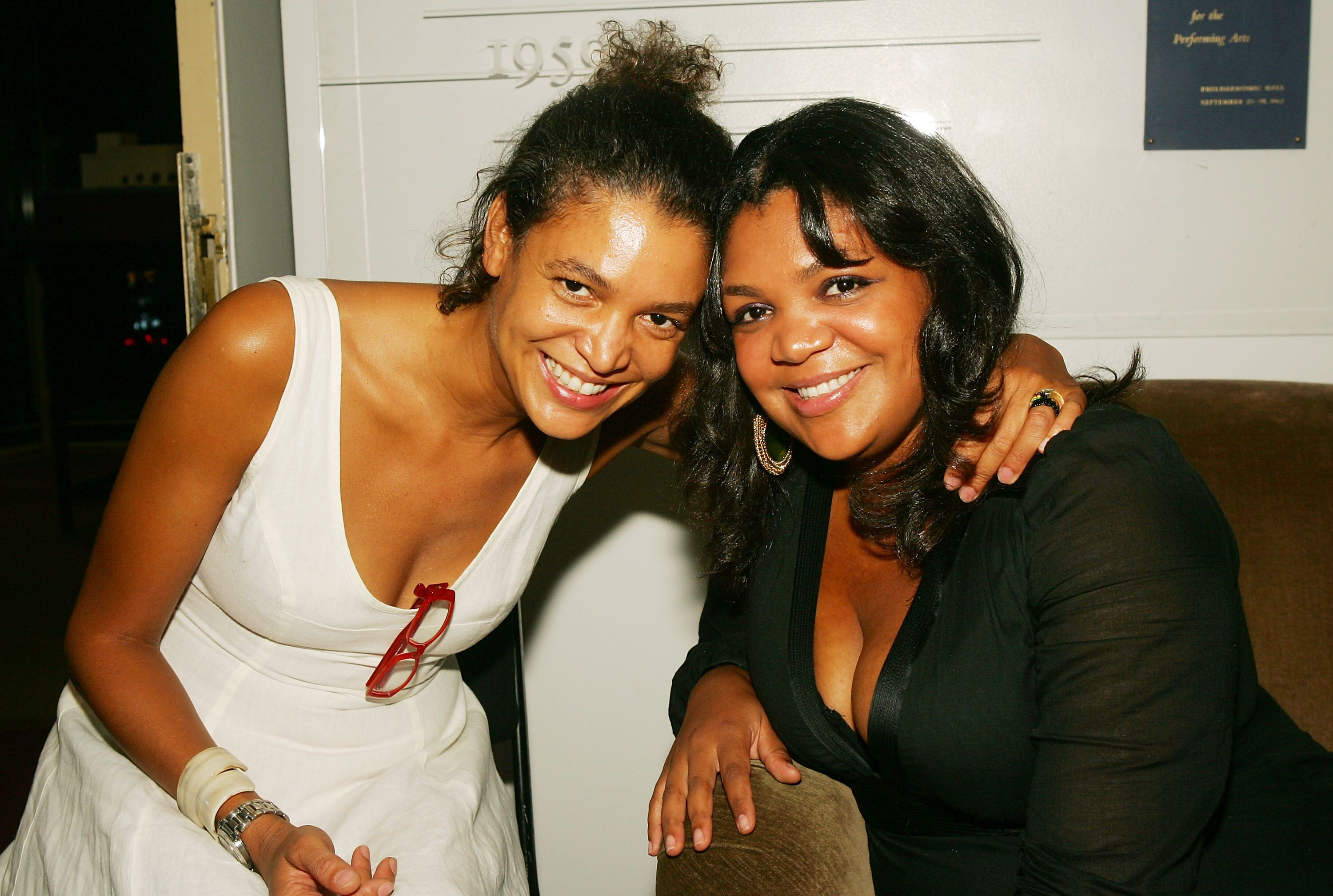 """Bill and Camille Cosby's  daughters Erinn and Evin at the premiere of """"Good Night, and Good Luck"""" in New York in 2005 