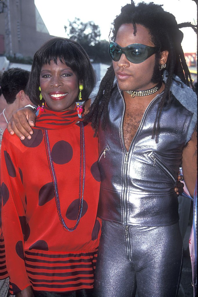 Lenny Kravitz with mother Roxie Roker attending the 1993 MTV Video Music Awards at Universal City on September 2, 1993. | Photo: Getty Images