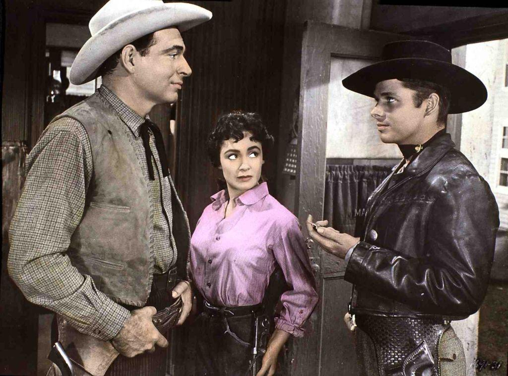 Susan Cabot in a scene from the movie, Duel At Silver Creek | Photo: Getty Images