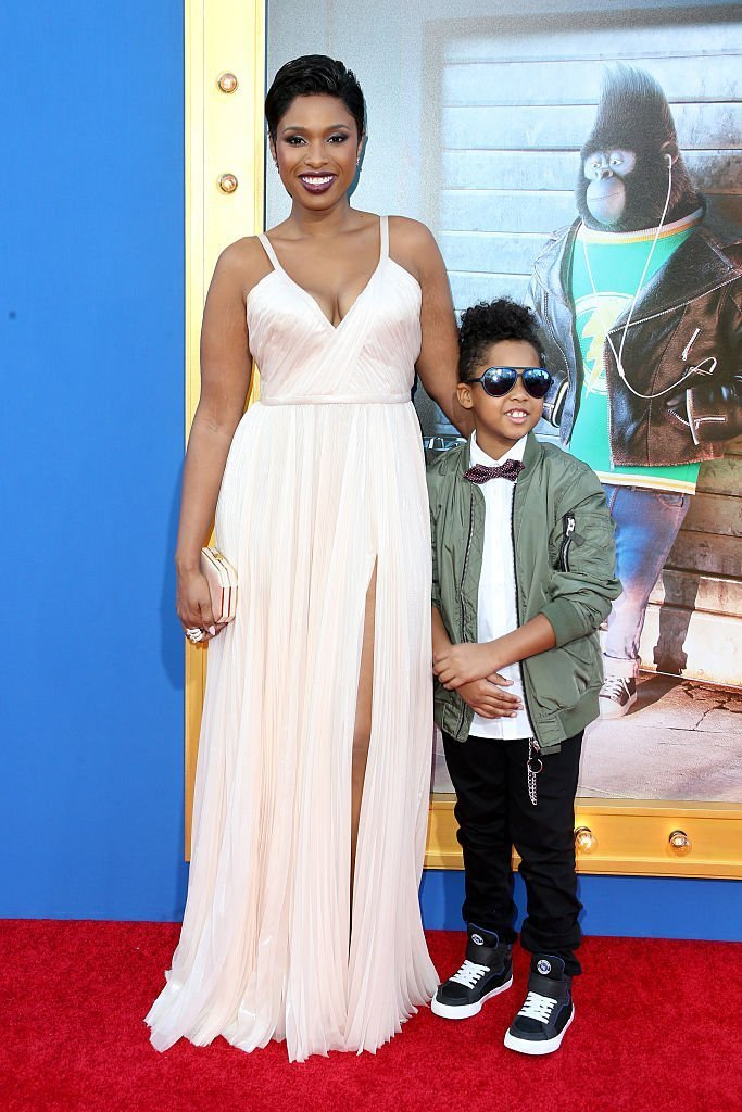 """Actress/singer Jennifer Hudson (L) and David Daniel Otunga Jr. attend the premiere Of Universal Pictures' """"Sing""""  