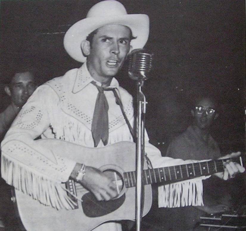 Hank Williams in concert in 1951 | Photo: Wikimedia Commons Images
