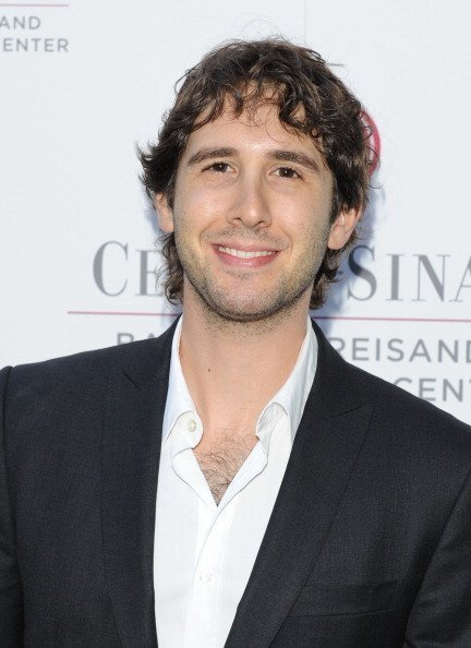 Josh Groban at Barbra Streisand's Intimate Dinner in Los Angeles, California | Photo: Getty Images
