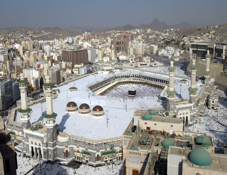 La Gran Mezquita y la sagrada Kaaba, los sitios más sagrados en el mundo islámica, en la Mecca, Arabia Saudita || Fuente: Getty Images