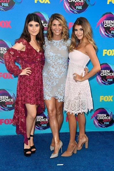 Isabella Giannulli, Lori Loughlin and Olivia Giannulli attend the Teen Choice Awards 2017 at Galen Center on August 13, 2017, in Los Angeles, California. | Source: Getty Images.