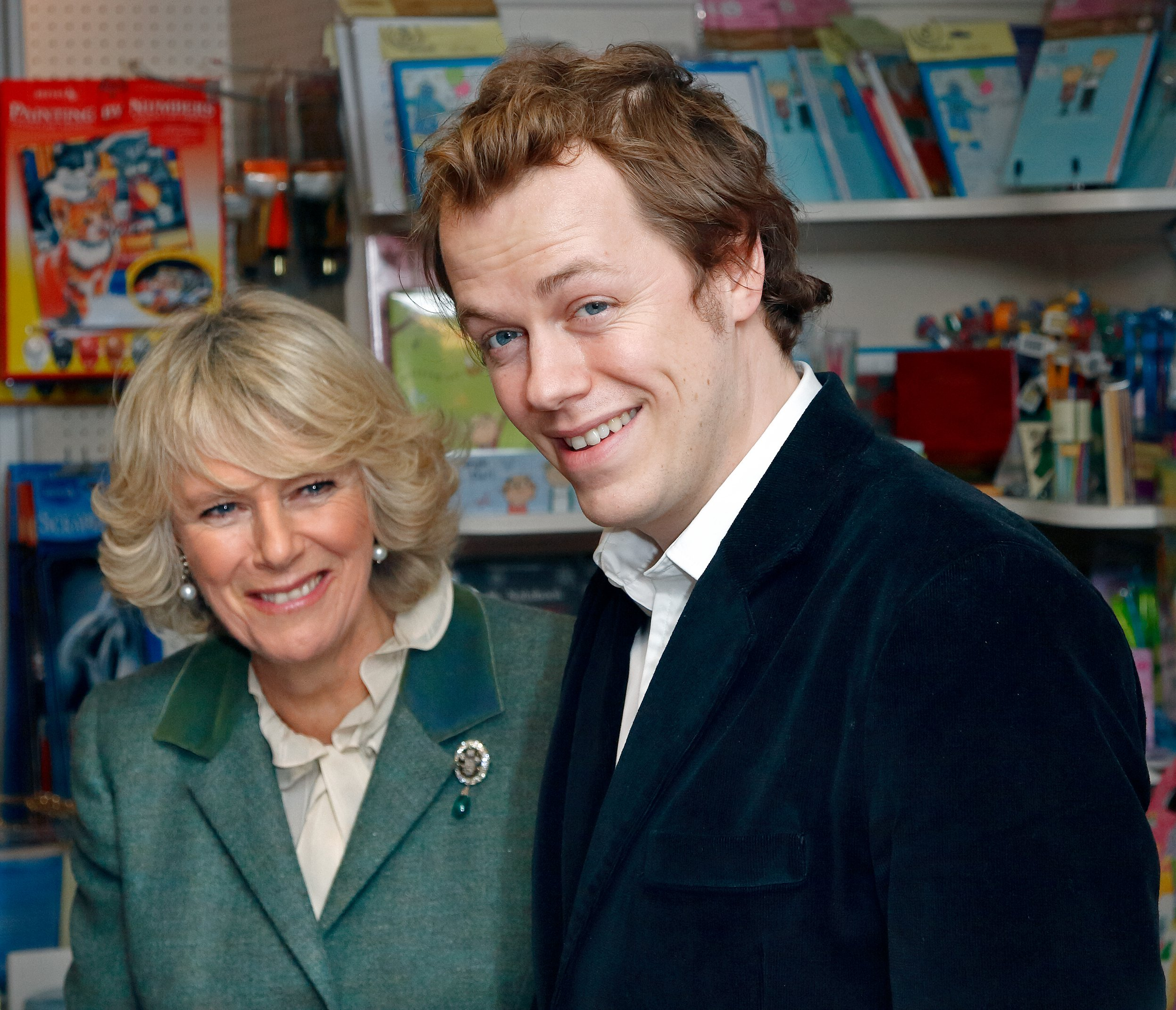 Camilla Parker-Bowles and her son, Tom Parker-Bowles in London on November 2006    Photo: Getty Images