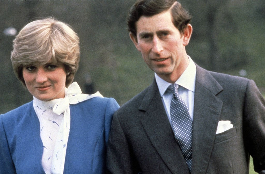 Princess Diana, Princess of Wales and Prince Charles, Prince of Wales pose outside Buckingham Palace as they announce their engagement on February 24, 1981, in London, England. | Source: Getty Images.