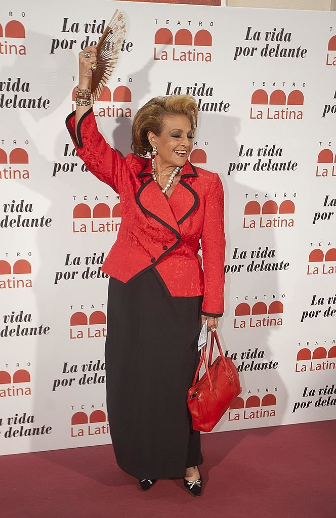 Carmen Sevilla en la sesión fotográfica de apertura del Teatro La Latina.| Fuente: Getty Images