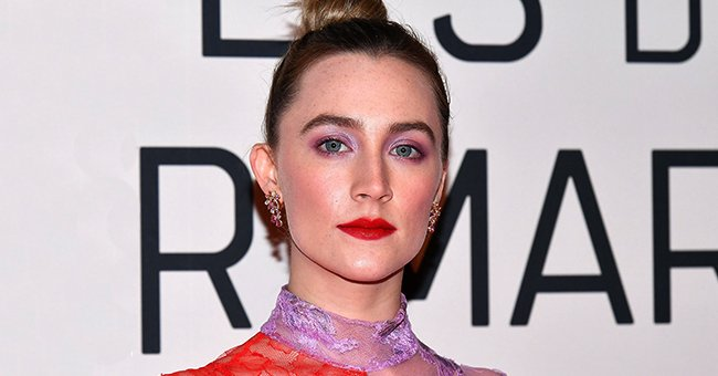 """Saoirse Ronan arrives at the """"Little Women"""" premiere on December 12, 2019 in Paris, France. 