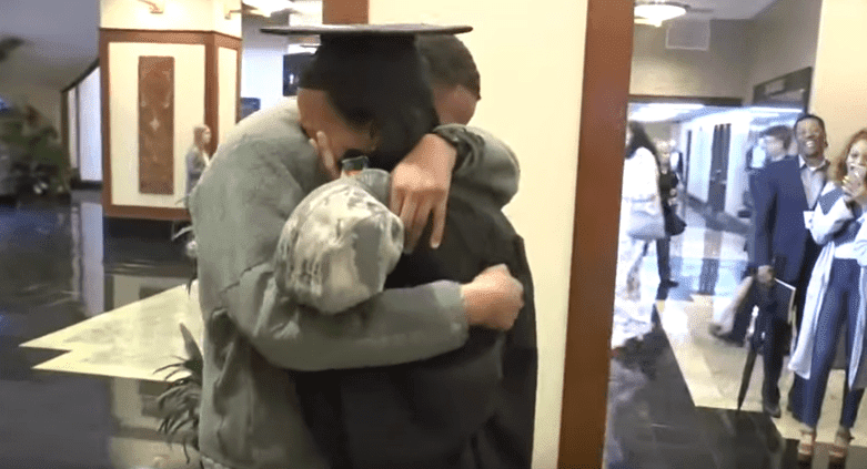 Makayla Twigg and her brother who surprised her at graduation .| Photo: YouTube/ THV11