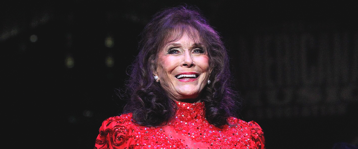 Loretta Lynn Celebrates Granddaughter's Birthday