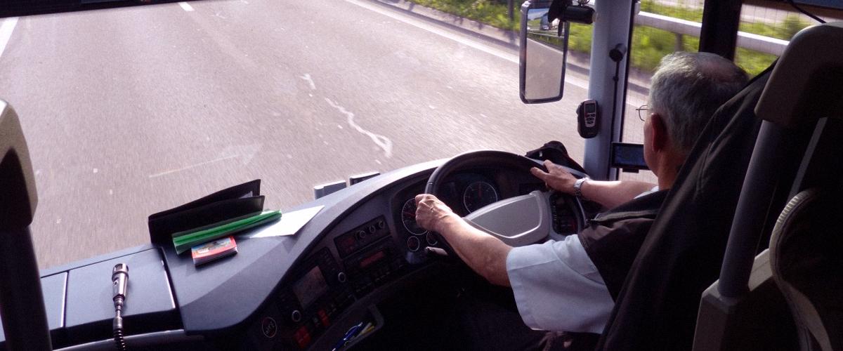 Das schnelle Handeln des Busfahrers rettet den Schüler vor dem drohenden Tod