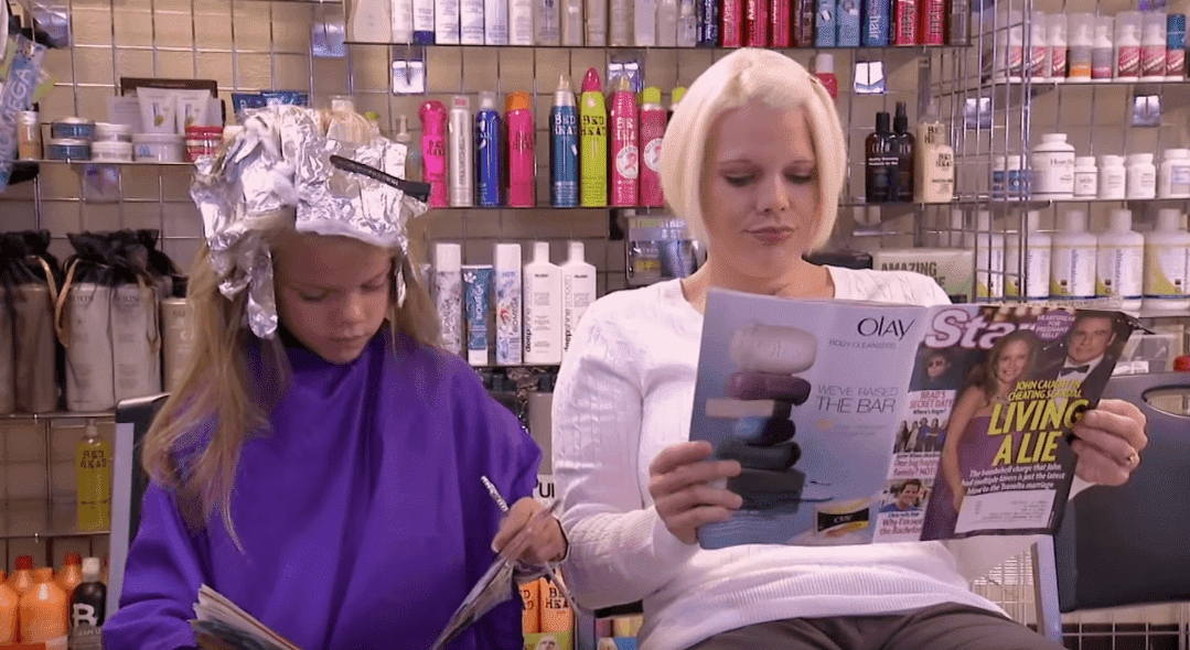 Jamie and Chloe at a hair salon. | Photo: YouTube/tlc uk