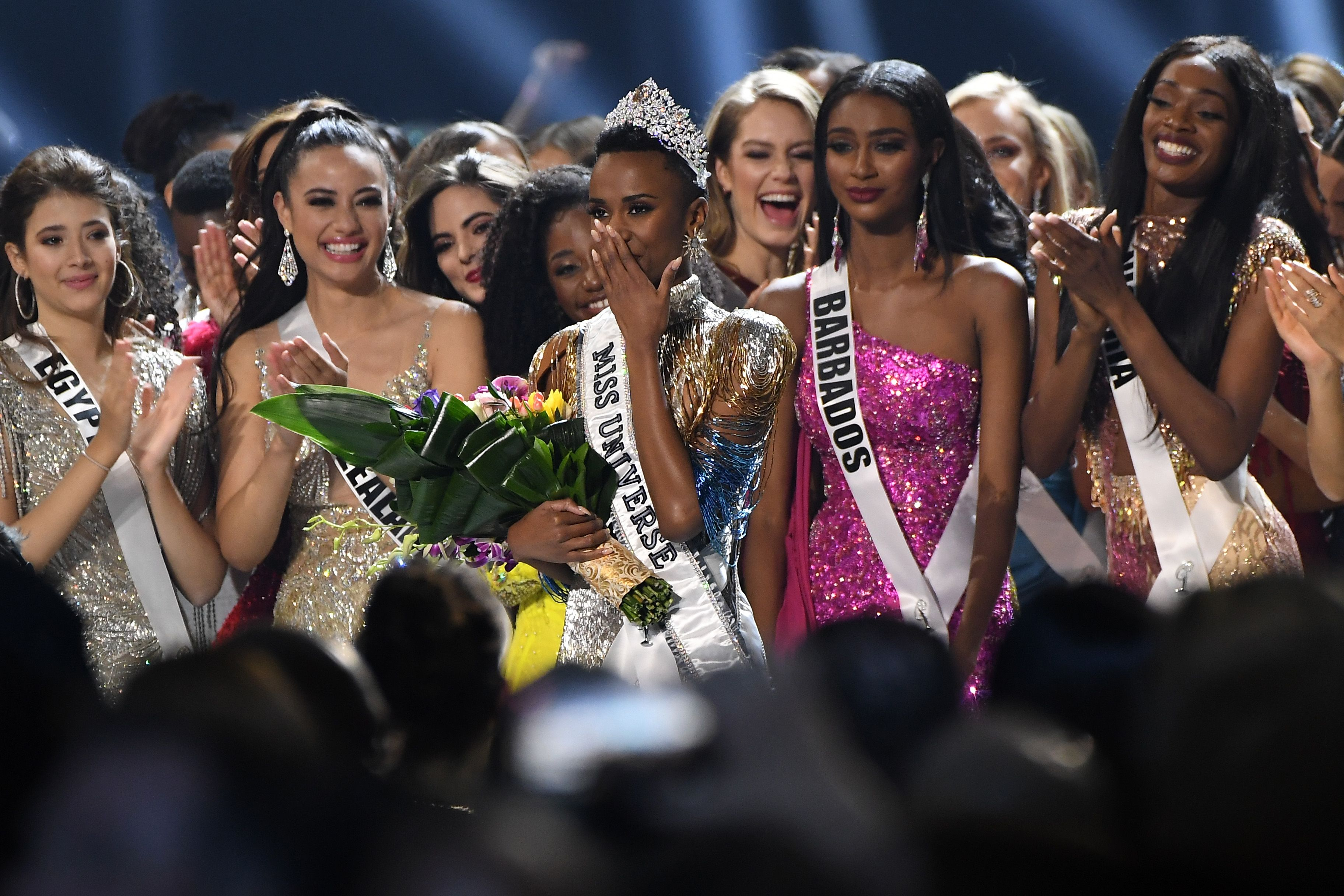 The 2019 Miss Universe Zozibini Tunzi of South Africa celebrating her victory | Source: Getty Images/GlobalImagesUkraine