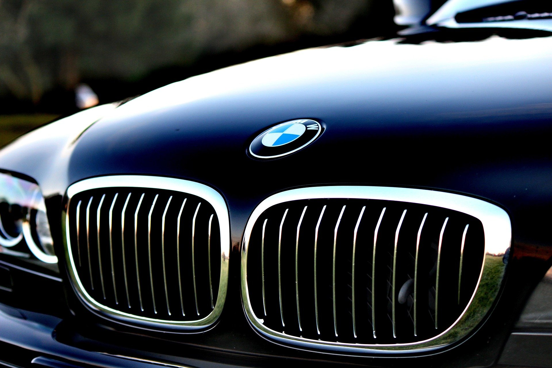 Pictured - A close up of a BMW hood   Source: Pixabay