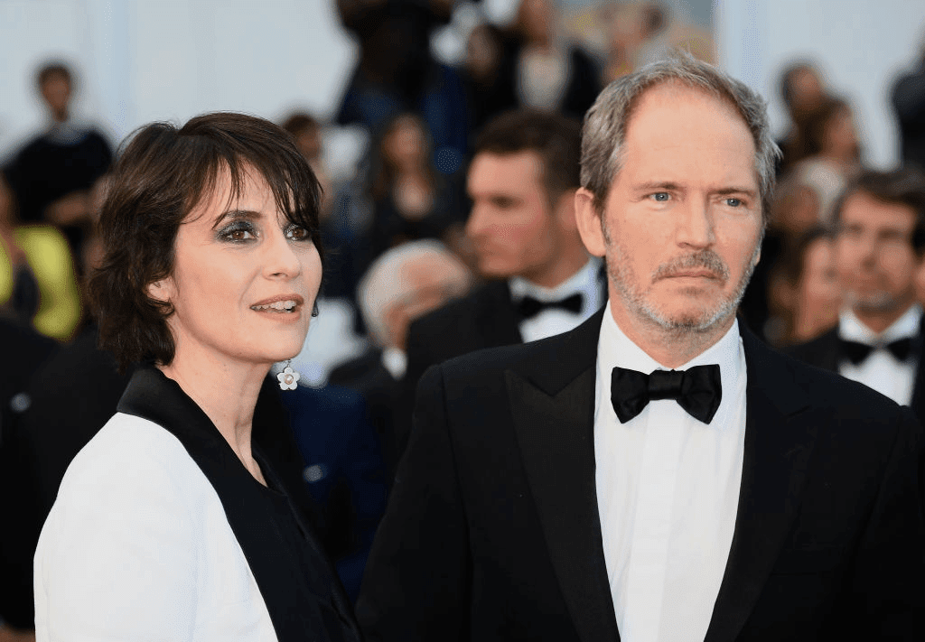 "CANNES, FRANCE - 13 MAI : Géraldine Pailhas et Christopher Thompson assistent à la projection du film ""Le Grand Bain"" lors du 71ème Festival de Cannes au Palais des Festivals le 13 mai 2018 à Cannes, France. 