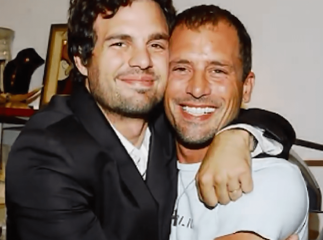 Mark Ruffalo and his brother, Scott at the Kaviar and Kind store opening on April 28, 2004 in Los Angeles, California | Photo: YouTube/ Looper