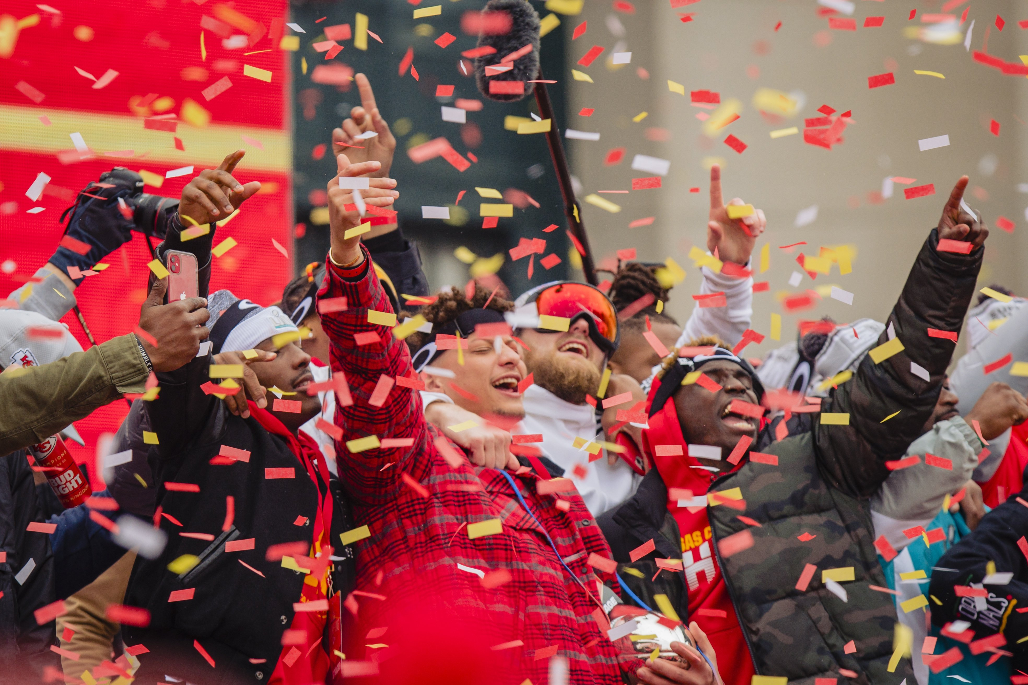 Patrick Mahomes #15 of the Kansas City Chiefs celebrates with the Super Bowl MVP trophy during the Kansas City Chiefs Victory Parade on February 5, 2020 | Photo: Getty Images