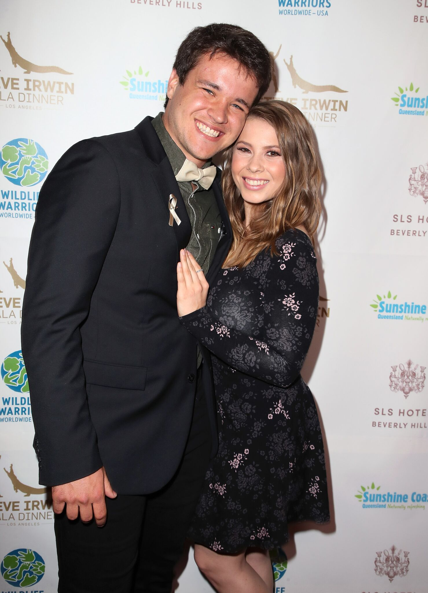 Wakeboarder Chandler Powell (L) and conservationist/TV personality Bindi Irwin attend the Steve Irwin Gala Dinner on May 05, 2018 | Photo: Getty Images