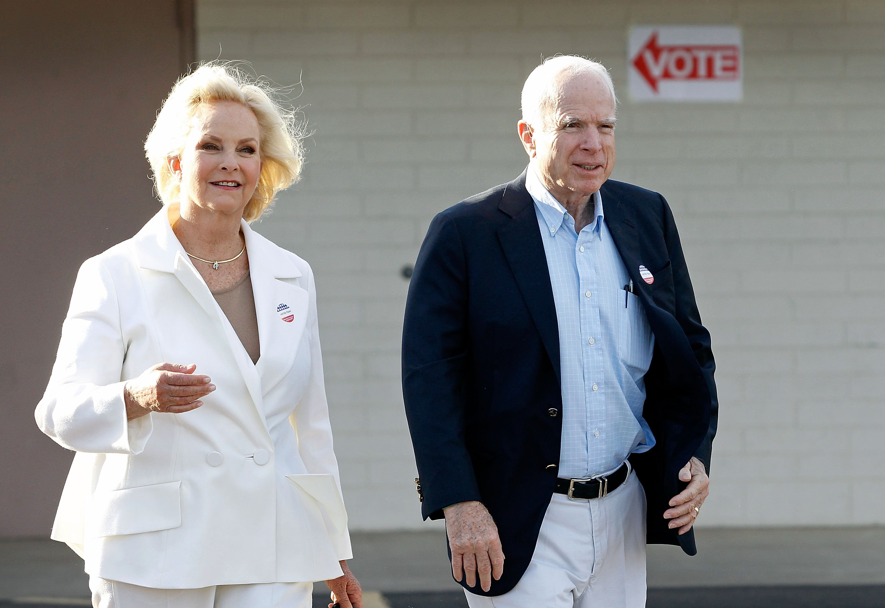John and Cindy McCain leaving the Mountain View Christian Church polling place after casting their vote on November 8, 2016 in Phoenix, Arizona | Photo: Getty Images