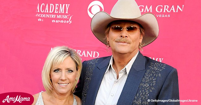 Country singer Alan Jackson celebrates 39 years as a happily married man