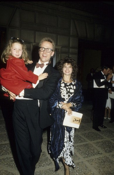 Harry Anderson, wife Leslie Pollack and daughter Eva Fay Anderson at the 38th Annual Primetime Emmy Awards on September 21, 1986 | Photo: Getty Images