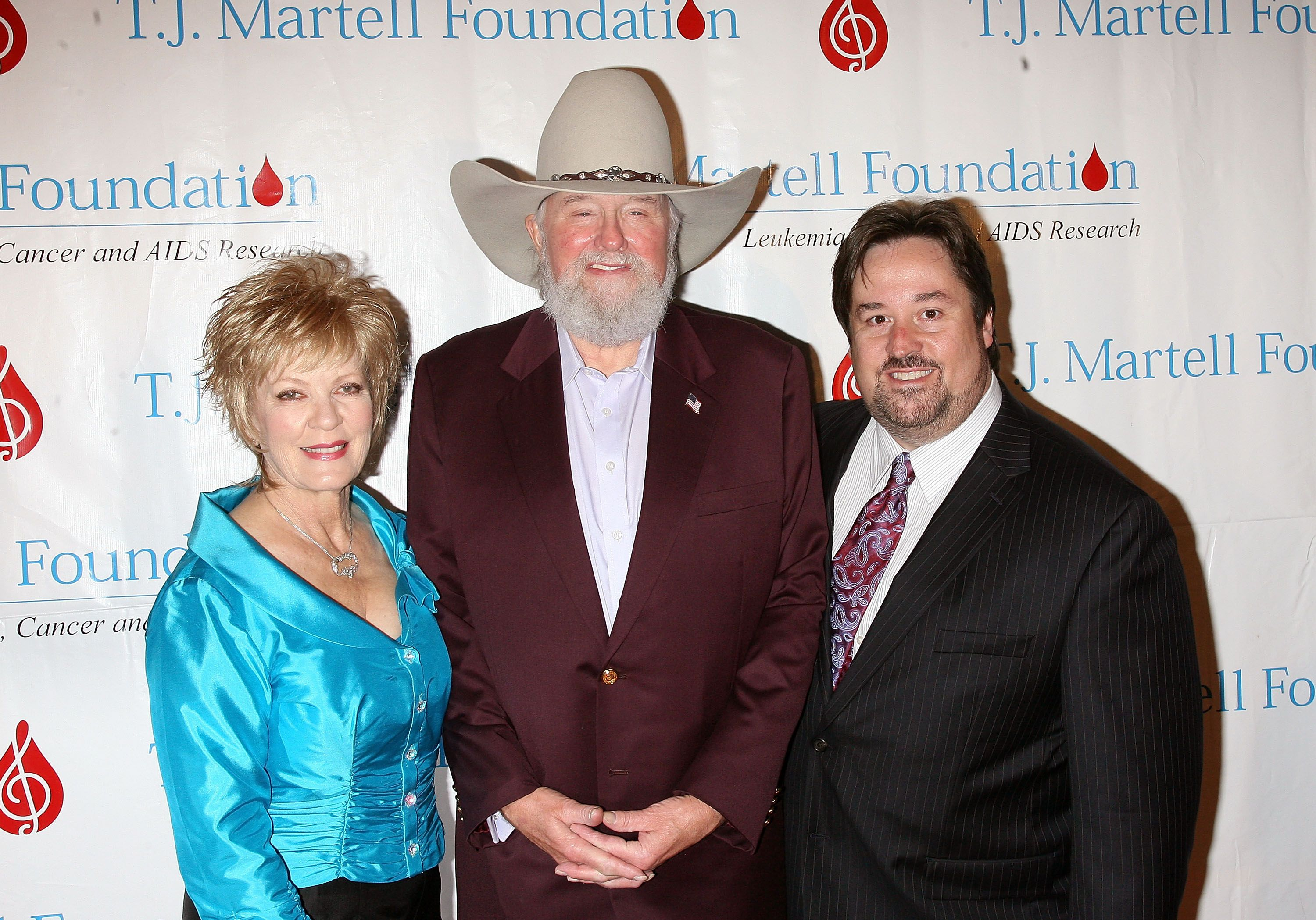 Charlie Daniels with son Charlie Daniels Jr. and wife Hazel at the T.J. Martell Foundation 35th Annual Awards Gala at Marriot Marquis on October 27, 2010 in New York City | Photo: Getty Images