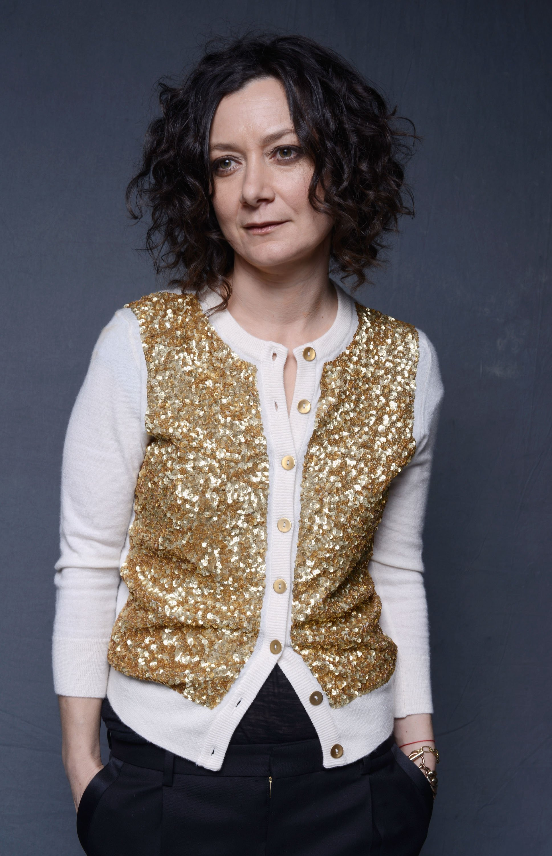 Sara Gilbert poses for a Wonderwall portrait at The Art of Elysium's 7th Annual HEAVEN Gala on January 11, 2014, in Los Angeles, California. | Source: Getty Images.