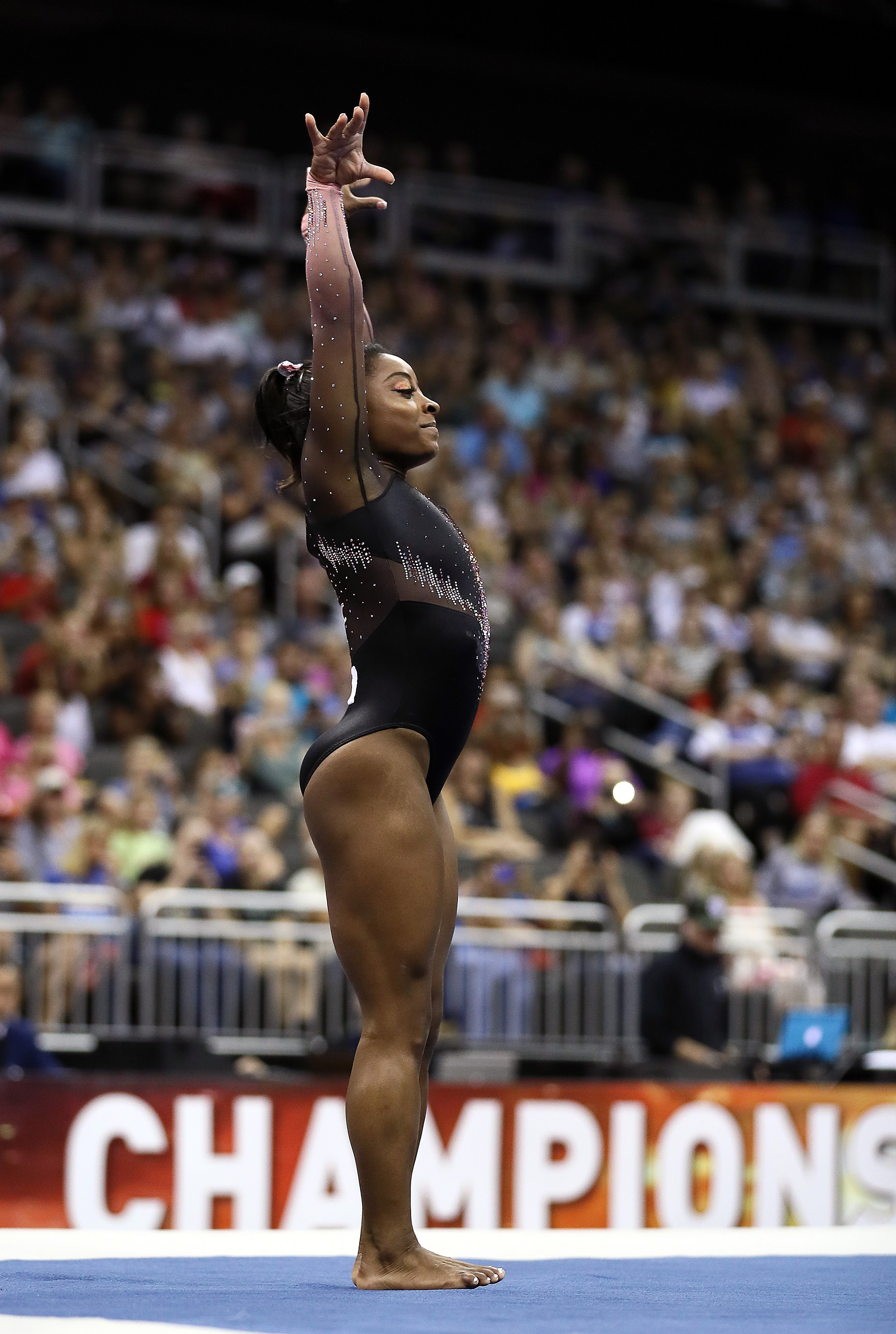 Simone Biles competes on floor exercise during Women's Senior competition of the U.S. Gymnastics Championships in Kansas City, Missouri on Aug. 11, 2019   Photo: Getty Images