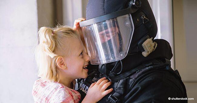 Rescatan a niña de 3 años luego de que ladrones armados robaran el vehículo en el que estaba