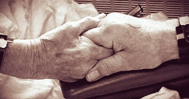 Minnesota Couple Dies 33 Hours Apart after Being Married for 68 Years and Raising 7 Kids Together