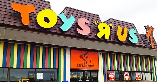 Toys 'R' Us Returns with Its First New Store in New Jersey after Closing Its Doors Due to Bankruptcy