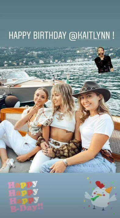 Kaitlynn Carter, Miley Cyrus and Brandi Cyrus on a boat during vacation. Source: Instagram/brandicyrus