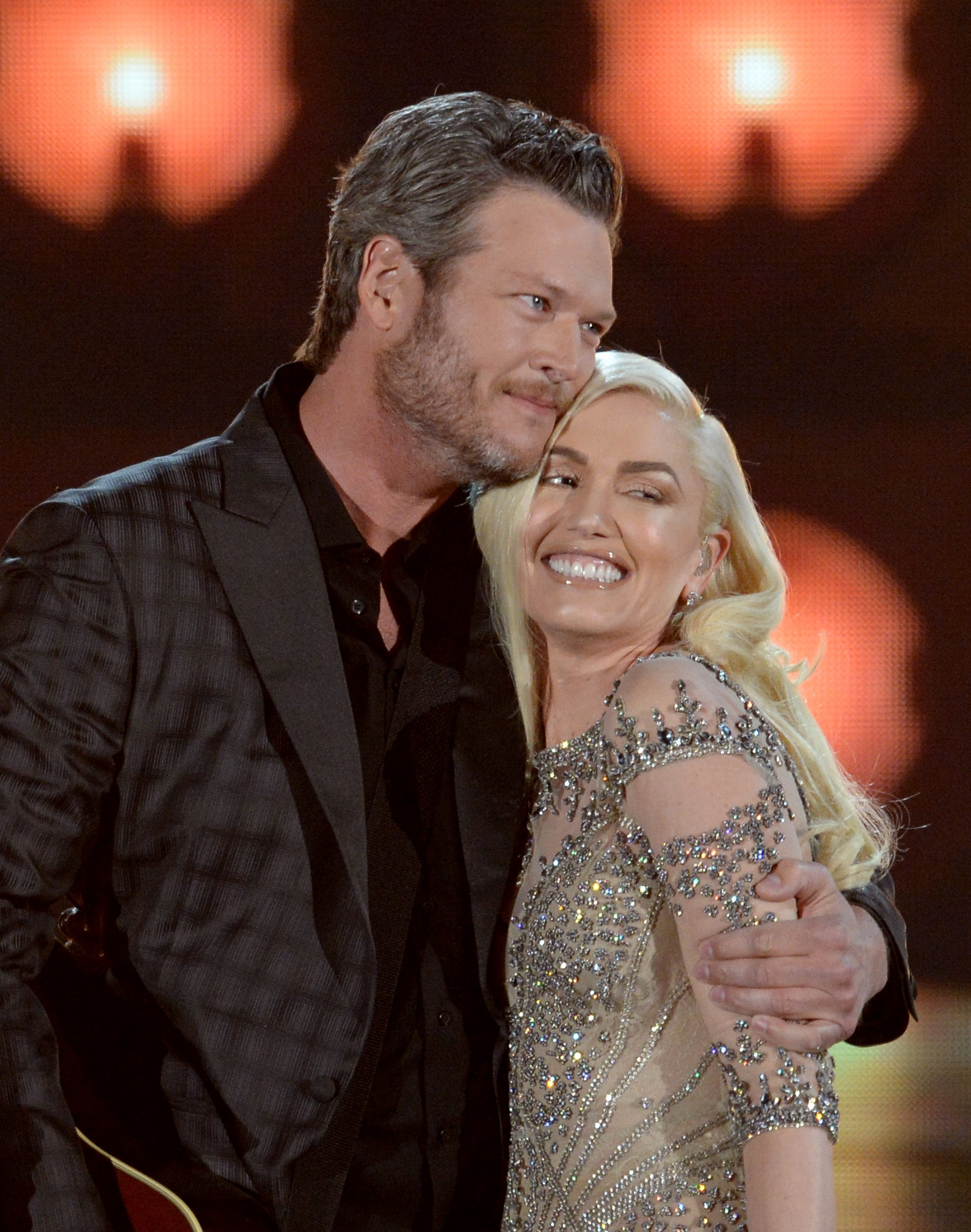 Blake Shelton and Gwen Stefani perform onstage during the 2016 Billboard Music Awards on May 22, 2016 in Las Vegas, Nevada. | Source: Getty Images.