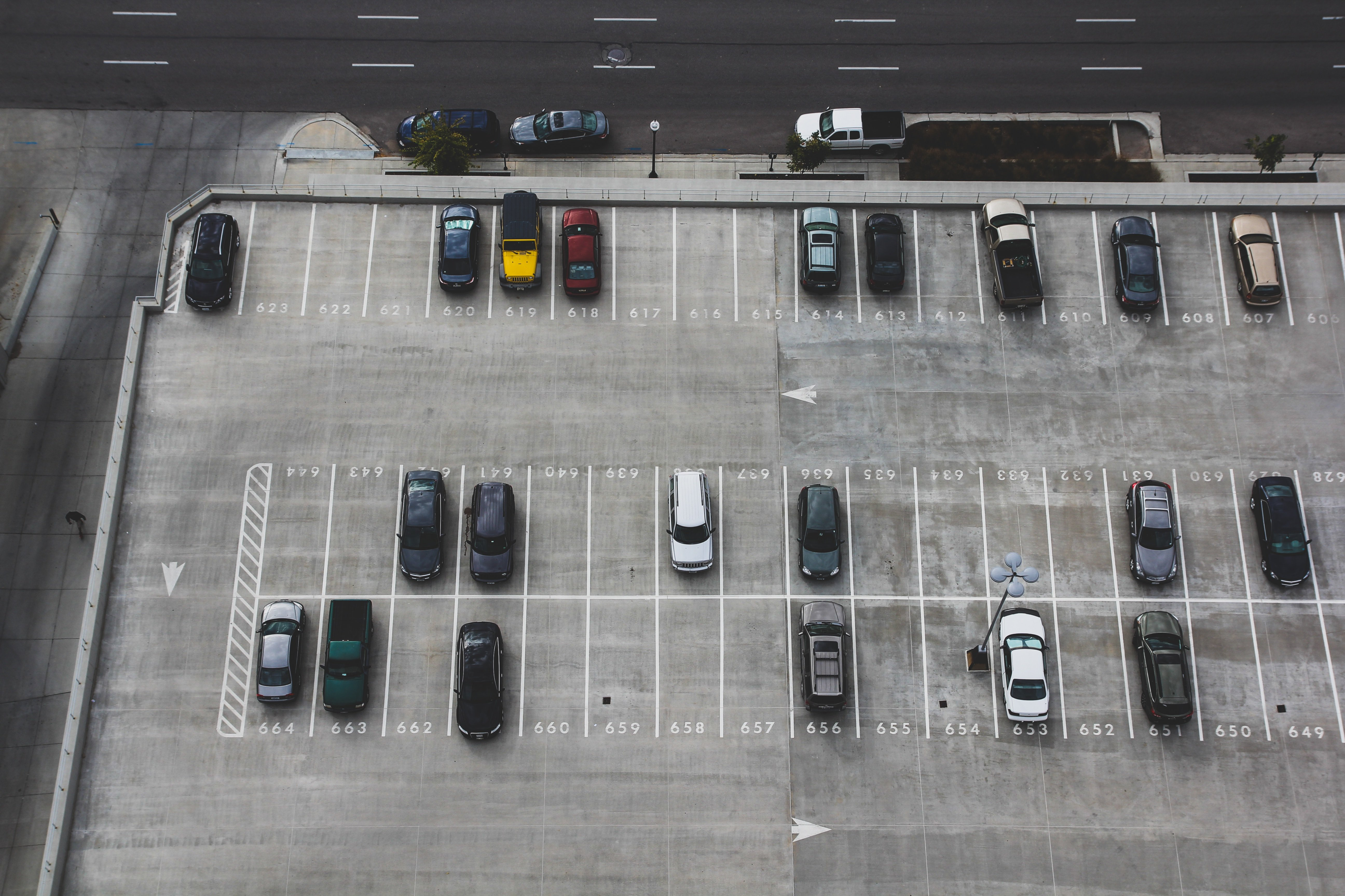 An aerial view of a parking lot | Source: Unsplash.com