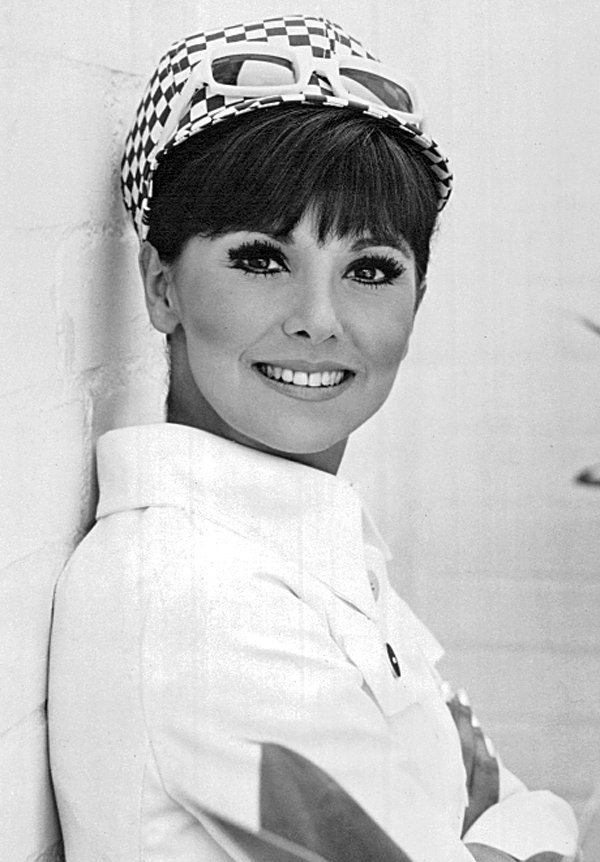 Publicity photo of Marlo Thomas in 1968 | Source: Wikimedia Commons