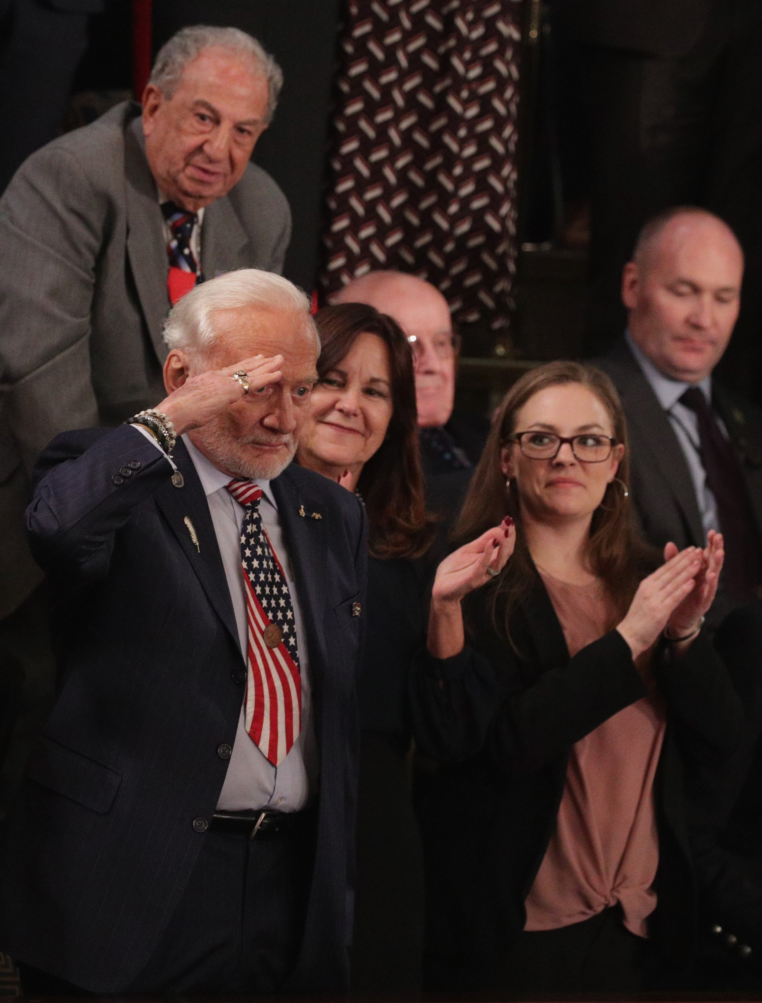 Buzz Aldrin saluting Donald Trump during the State of the Union address | Photo: Getty Images