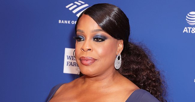 Niecy Nash Poses in Cool Makeup & Shares Pics of the Products Used to Create the Stunning Look