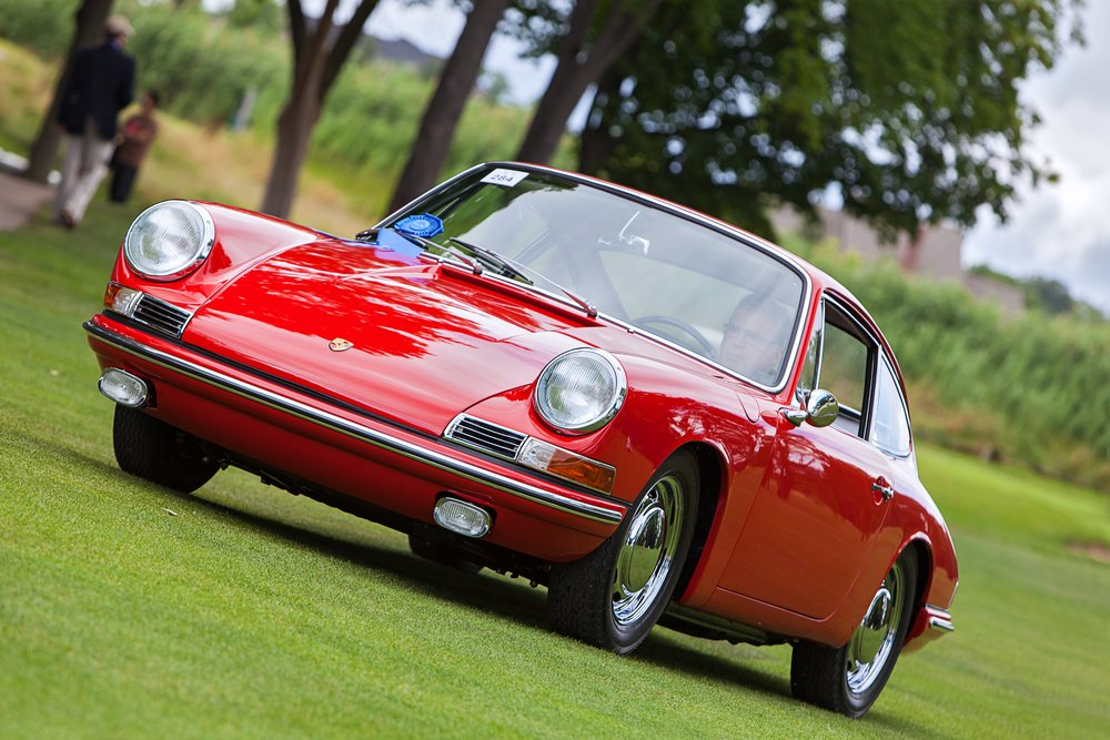 A vintage Porsche 911 at the Concours D'Elegance on July 28, 2013 in Plymouth, Michigan. | Photo: Shutterstock.