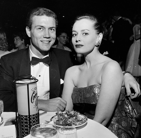 Roger Smith and Victoria Shaw at the Cocoanut Grove in Los Angeles, California, circa 1950s. | Photo: Getty Images