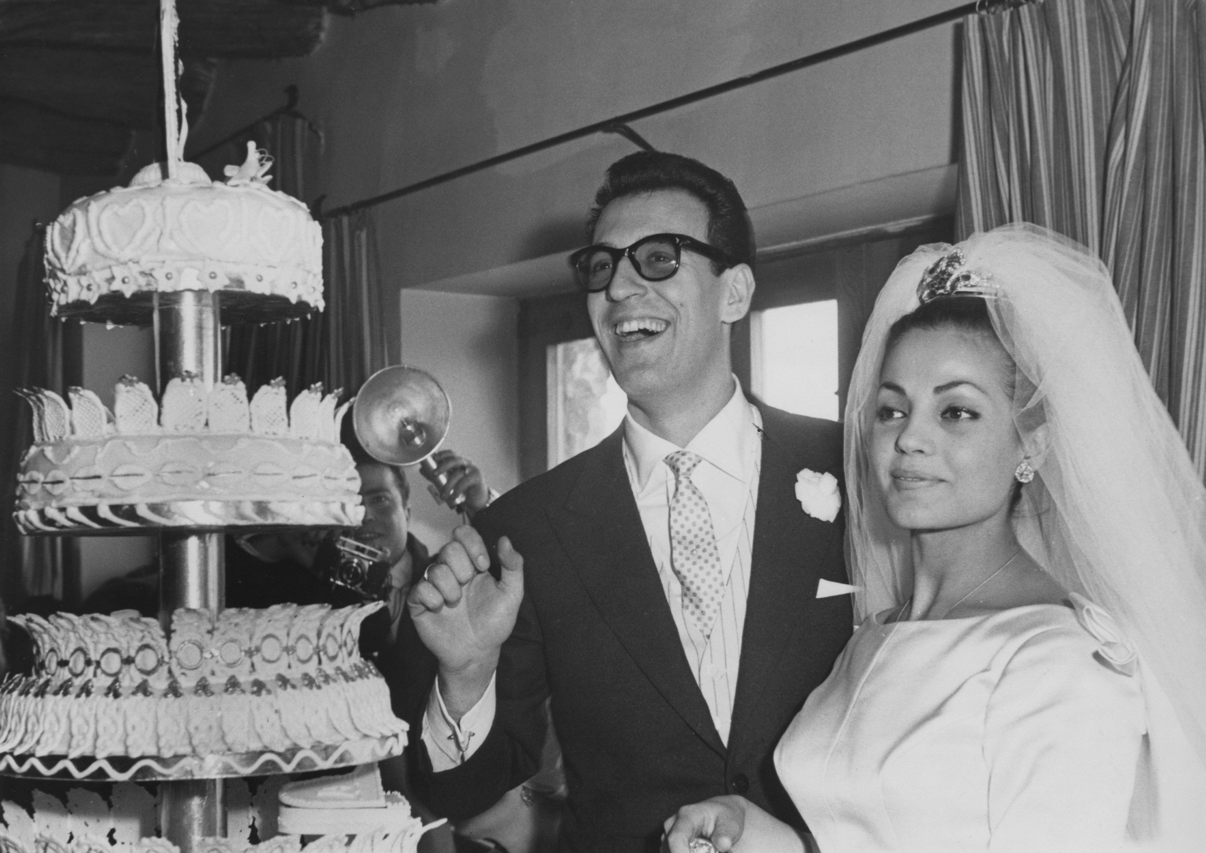 Carmen Sevilla y Augusto Algueró Dasca el día de su boda || Fuente: Getty Images