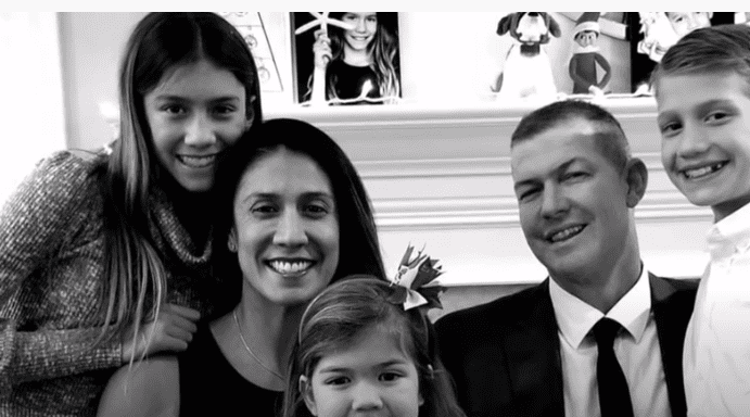 Mark Mauser, with his wife Christina and children before the unfortunate crash | Source: YouTube/AmericasGotTalent